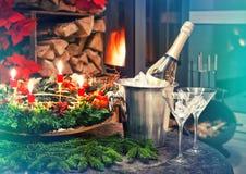 Dîner de lueur d'une bougie Décoration de fête pour Noël et le nouveau voix pour Photo stock