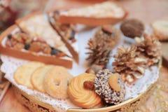 Dîner de Noël et manger de la nourriture délicieuse de vegan Images libres de droits