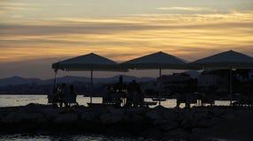 Dîner de nuit en mer Image stock