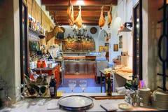 Dîner romantique de Séville à un restaurant de rue image libre de droits