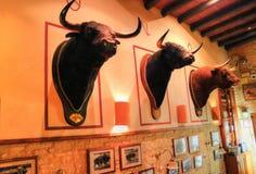 Dîner romantique de Séville à un restaurant de rue images stock