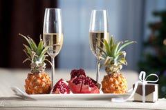 Dîner romantique en verre de Champagne Photos libres de droits