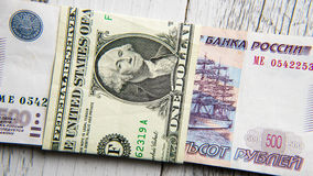 Dólar contra rublos Foto de Stock