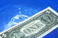 Dólar de hundimiento los E.E.U.U. Fotografía de archivo