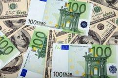 Dólar e euro- nota de banco Fotos de Stock Royalty Free