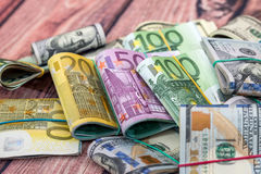 Dólar, euro- cédulas como o fundo Fotografia de Stock