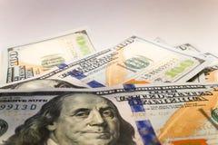 Dólares americanos Cédulas do dinheiro Bill de notas de dólar de dinheiro Fotos de Stock