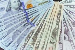 Dólares americanos Cientos billetes de banco del dólar, 100 Imagen de archivo