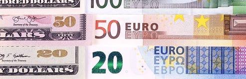 Dólares americanos do fundo do dinheiro e denominações diferentes do euro Fotos de Stock