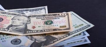 Dólares americanos do tesouro de Estados Unidos e da reserva federal com os retratos de presidentes dos EUA imagens de stock