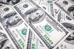 Dólares americanos en denominaciones de 100 Imagen de archivo