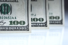dólares de billetes de banco Dólares americanos de dinero del efectivo Cientos billetes de banco del dólar Fotos de archivo libres de regalías