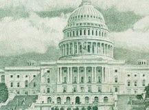 100 dólares de cuenta en cierre de la moneda de los E.E.U.U. para arriba Foto de archivo libre de regalías