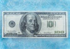 100 dólares de derretimento congelado Imagem de Stock