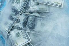 100 dólares de derretimiento congelado Imagen de archivo libre de regalías