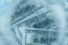 100 dólares de derretimiento congelado Foto de archivo