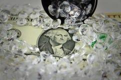 Dólares de EE. UU. cubiertos con los diamantes Imágenes de archivo libres de regalías