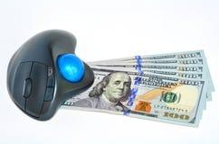 Dólares de EE. UU. de billetes de banco y ratón del ordenador Imagen de archivo libre de regalías