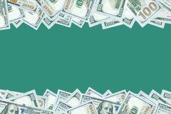 100 dólares de fondo de los billetes de banco con el espacio en blanco en centro Foto de archivo