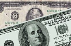 Dólares dos EUA por um valor nominal cem dólares e dois dólares ilustração royalty free