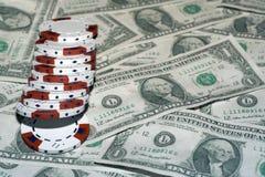 Dólares e microplaquetas Fotografia de Stock