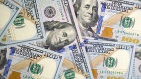 Dólares verdes de E.E.U.U. Textura de billetes de banco El dinero está girando lentamente el primer 4k metrajes