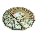 Dólares y billetes de banco de los grivnas aislados en blanco Fotografía de archivo libre de regalías