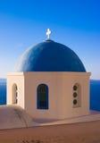 Dôme bleu d'église, Grèce Photo stock