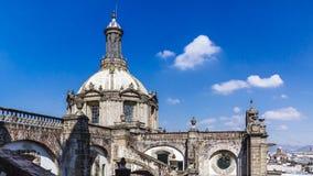 Dôme de cathédrale métropolitaine de Mexico dans ci du centre du Mexique image stock