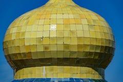 Dôme de jaune de palais de pena du DA contre le ciel bleu Photos libres de droits