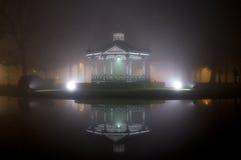 Dôme de musique dans le brouillard Images libres de droits