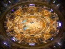 Dôme et fresque de l'église de San Antonio de los Alemanes à Madrid, Espagne Le dôme le plus beau de Madrid photographie stock libre de droits