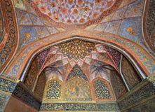 Dôme fleuri au tombeau d'Akbar d'empereur Images libres de droits