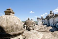 Dômes sur le toit de cathédrale Photos libres de droits