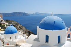 Dômes types en île d'Oia Santorini Photos libres de droits