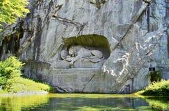 Dö lejonmonumentet i Lucerne, Schweiz Royaltyfri Fotografi