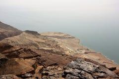 Död havskust i Jordanien Arkivbild