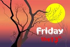 Döda träd på nattskymningtid efter den violetta/lilor solnedgången, röd orange ljus med vita fredag och rött den 13th texten Royaltyfria Bilder