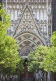 Dörröppning av den Seville domkyrkan, Spanien Royaltyfri Bild