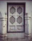 Dörröppningen od en kloster i Nepal Royaltyfri Fotografi