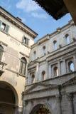 Dörr av Borsari Verona Royaltyfria Bilder