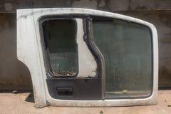 Dörr av den gamla bilen arkivbilder