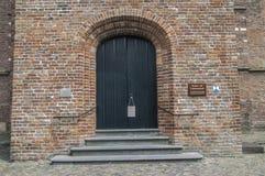 Dörr av den Grote- eller Laurens Church At Weesp The Nederländerna 2018 arkivbilder
