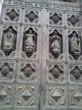 Dörr av domkyrkan av Kristus frälsaren, Moskva, Ryssland Arkivfoton