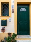 Dörr av ett hus i algarve Portugal fotografering för bildbyråer