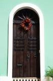 Dörr av ett hus i gamla San Juan Arkivfoton