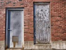 Dörr 1 eller dörr 2 Royaltyfria Foton