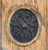 Dörr för windowon för runt järn för detalj Arkivfoton