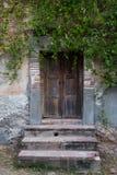 Dörr i mexicanskt hus Arkivbilder