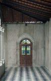 Dörr i skymning Arkivbilder